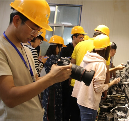 The Interview Team of Special Industrial Town in Hunan Province Visited Jiahe Foundry Town