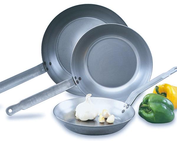 Carbon Steel Frying Pan With Metal Handle