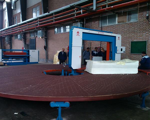 Automatic Carrousel Foam Splitting Machine with Vacuum